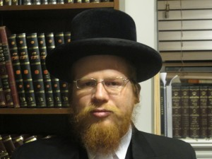 "Rabbi Tzvi Ortner Shlit""a Rav of ""Halache Tech USA"" and rabbinical advisor to Zman Technologies."